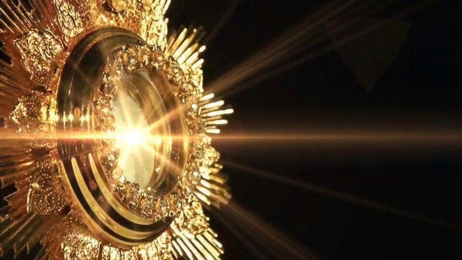 adorazione-eucaristica_05_inpixio_pe