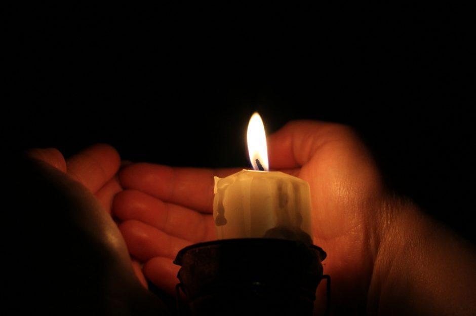 calentar las manos las velas